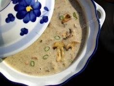 Fina, catifelata, cu un gust minunat de ciuperci aburind din bolul fierbinte, ce ti-ai putea dori mai mult intr-o zi racoroasa de toamna