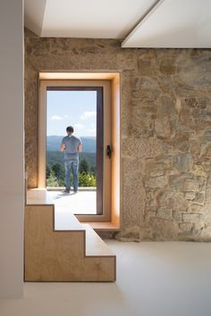 Image 3 of 47 from gallery of SH House / Paulo Martins. Photograph by ITS – Ivo Tavares Studio Architecture Details, Interior Architecture, Country Modern Home, Old Stone Houses, Facade House, Modern Buildings, Traditional House, Decoration, Portugal