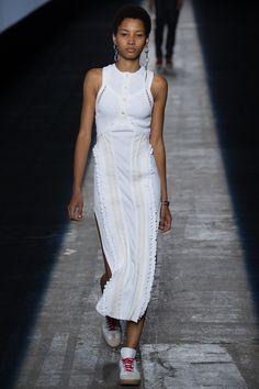 Alexander Wang Spring 2016 Ready-to-Wear Fashion Show - Lineisy Montero
