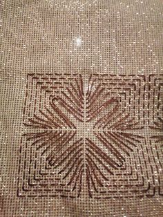 Beginning Embroidery, Bargello, Handicraft, Diy And Crafts, Weaving, Cross Stitch, Pink, Tulle, Embroidery Stitches