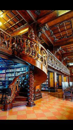 Bibliotheca Municipal, Lima Peru