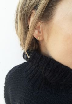 851e02704470 pavé earrings   Vrai   Oro Minimaler Schmuck, Kreis Ohrringe, Süßer  Schmuck, Ringe