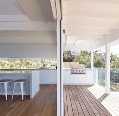 Could have the decking match the house interior, rather than the house exterior? Indoor Outdoor Kitchen, Outdoor Rooms, Outdoor Kitchens, Sunrise Home, Outdoor Deck Decorating, Pool Houses, House Goals, Future House, Building A House