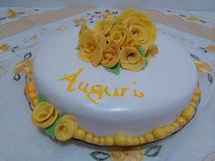 #cake #torta #rose #rosescake #tortarose #tortarosegialle #yellowrosescake #yellow #giallo #rosegialle #yellowroses #elegance #mum #mamma #matherbday #bday #compleannomamma #compleanno #bday #birthday