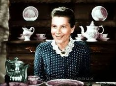 Ruth Gordon in Edge of Darkness Ruth Gordon, Button Down Shirt, Men Casual, Hollywood Actresses, Classic Hollywood, Sherlock, Darkness, Mens Tops, Pride
