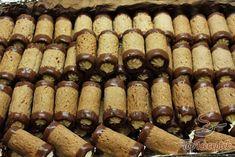Karácsonyi diós roló | TopReceptek.hu Baking Recipes, Cookie Recipes, Deutsche Desserts, German Desserts, Salty Snacks, Cake Bars, Hungarian Recipes, Pastry Cake, Desert Recipes