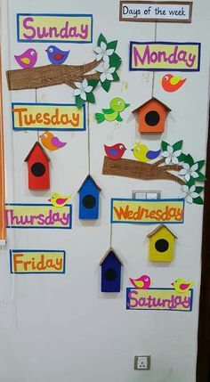 5 Homeschool Crafts Decorative Art Displays Days of the week Preschool Classroom Decor, Teacher Classroom Decorations, Classroom Walls, School Decorations, Classroom Displays, Craft Activities For Kids, Preschool Activities, Crafts For Kids, School Board Decoration