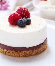 Come fare una cheesecake leggera senza burro - ❥ Delicious Breakfast Healthy Cake, Healthy Breakfast Recipes, Healthy Recipes, Burritos, English Food, Love Food, Food And Drink, Cooking Recipes, Desserts