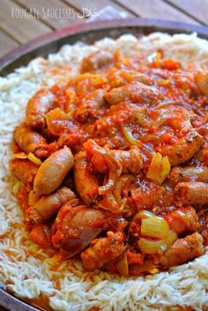 Rougail Saucisses حَلال (la Réunion dans ton assiette) – The Heart In The Stomach Mauritian Food, Diner Party, Carribean Food, Creole Recipes, Cooking Recipes, Healthy Recipes, Exotic Food, Love Food, Entrees