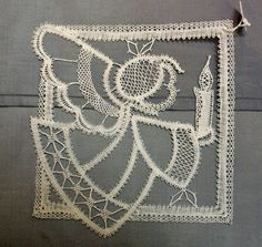 maria luce de matteis: Google+ Bobbin Lacemaking, Types Of Lace, Bobbin Lace Patterns, Creative Embroidery, Lace Heart, Lace Jewelry, Needle Lace, Lace Making, Lace Design