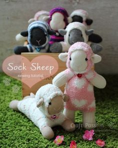 sock sheep pattern These look kinda hard, but they're cute.
