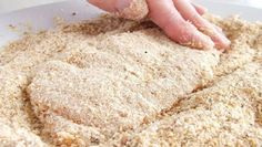 This method of crumbing can be used for chicken or other meat (including fish), or vegetables. Meat Recipes, Real Food Recipes, Chicken Recipes, Dinner Recipes, Cooking Recipes, Food 52, Diy Food, Food Promotion, Tasty