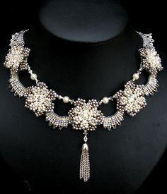 Duchess Of Windsor Wallis Simpson.....Uploaded By www.1stand2ndtimearound.etsy.com