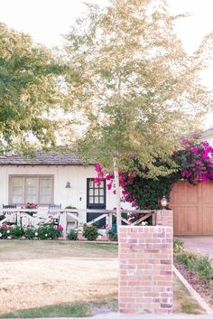 Arcadia Phoenix, Phoenix Arizona, Unique House Design, Dream Home Design, Cottage In The Woods, Cottage Style, Fairytale Cottage, Custom Builders, Contemporary Home Decor