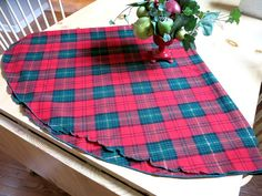Christmas Plaid Round Tablecloth Tartan Wool Blend by CoconutRoad