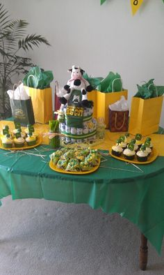John Deere themed baby shower, but pink and brown for a girl Cute Baby Shower Ideas, Baby Shower Decorations For Boys, Baby Shower Gifts For Boys, Baby Shower Parties, Baby Shower Themes, Baby Boy Shower, Baby Gifts, Baby Showers, John Deere Baby
