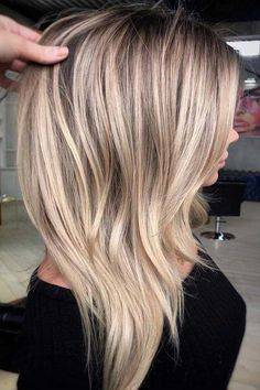 47 Gorgeous Blends of Balayage Ombre Hair Colors for You know balayage is one of the best hair coloring techniques since last few years. In this post we have collected amazing blends and shades of balauage ombre hair colors for women to opt for year Ombre Hair Color, Hair Color Balayage, Blonde Balayage, Blonde Highlights, Hair Colour, Blonde Color, Color Highlights, Brown Balayage, Hair Color Techniques