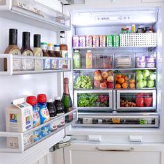 New kitchen organization fridge storage solutions ideas Refrigerator Organization, Kitchen Organization, Kitchen Storage, Organized Fridge, Bedroom Organization, Fridge Storage, Storage Organizers, Household Organization, Storage Cabinets