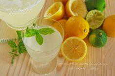 ΛΕΜΟΝΑΔΑ ΜΕ ΑΝΘΡΑΚΙΚΟ και στεβια Lime, Food And Drink, Yummy Food, Orange, Fruit, Drinks, Cabbages, Diabetes, Summer