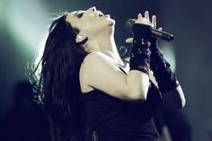 Amy Lee.....evanescence