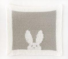 crochet bunny blanket Crochet Blanket Patterns, Baby Blanket Crochet, Baby Patterns, Dishcloth Crochet, Bunny Blanket, Lovey Blanket, Wool Blanket, Crochet Bunny, Free Crochet