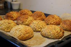 Proteinrundstykker m bakepulver I Love Food, Good Food, Baked Bakery, Norwegian Food, Bread And Pastries, Healthy Baking, No Bake Desserts, Bread Baking, Food Inspiration