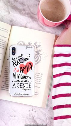 Bonito Caso traste da auto-estima por Thalita Rebouças, livros, e Tudo isso Por Um Pouco de…. Cute Self-Esteem Fret Case By Thalita Rebouças, Books, And All That For A Little … Girly Phone Cases, Cell Phone Covers, Diy Phone Case, Iphone Case Covers, Telephone Samsung, Tumblr Phone Case, Coffee And Books, A30, Coque Iphone