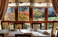http://guias-viajar.com/ Restaurante del hotel rural Villa Mencía en Corullón, en el Bierzo leonés