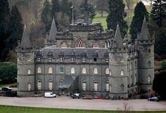 Inveraray Castle ►► http://www.castlesworldwide.net/castles-of-scotland/argyll-and-bute/inveraray-castle.html?i=p