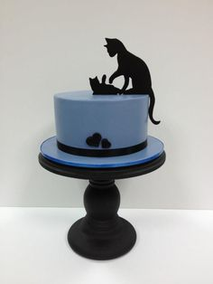 silhouette cat themed cake - For all your cake decorating supplies, please… Gorgeous Cakes, Pretty Cakes, Cute Cakes, Amazing Cakes, Fondant Cakes, Cupcake Cakes, Silhouette Cake, Animal Cakes, Gateaux Cake