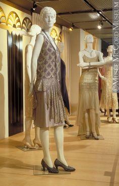 Evening dress Worth About 1927, 20th century Fibre: silk ? (crepe de chine, gauze); synthetic: plastic (sequins); glass (diamanté); metal (gilt t Gift of Miss Rosanna Seaborn Todd M20524 © McCord Museum