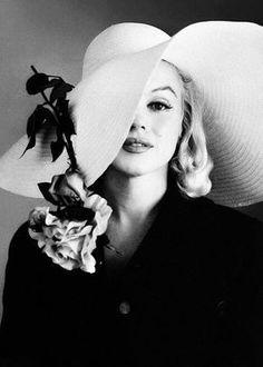 ★ Marilyn Monroe by Carl Perutz, ♡ Old Hollywood ★ Marylin Monroe, Marilyn Monroe Fotos, Vintage Hollywood, Hollywood Glamour, Classic Hollywood, Annie Leibovitz, Brigitte Bardot, Looks Black, Black And White