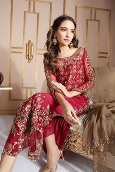 Newest Pictures Bridal Dresses asian Popular Whether you have been dreaming of wedding ceremony dress considering that you had been 5 and have in Shadi Dresses, Pakistani Formal Dresses, Pakistani Party Wear, Pakistani Wedding Outfits, Pakistani Gowns, Indian Bridal Outfits, Eid Dresses, Wedding Hijab, Indian Dresses