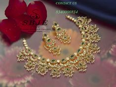 Contact 9000003918 sri balaji jewellers and exports Pearl Bridal Jewelry Sets, Indian Wedding Jewelry, Bridal Jewellery, Jewelry Design Drawing, Gold Jewellery Design, Gold Jewelry Simple, Jewelry Patterns, Bracelets, Short Necklace