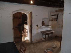On land of 1.375m² is for sale an old village house from early 1900 in need of renovation with a lot of traditional features in the house, providing a fantastic opportunity to create your own beautiful traditional home in a lovely area with a lot of privacy...