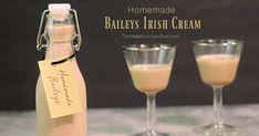 Homemade Baileys Irish Cream Homemade Baileys, Homemade Irish Cream, Baileys Recipes, Homemade Liquor, Baileys Irish Cream, Limoncello Drinks, Judith, Drinks Alcohol Recipes, Christmas Drinks