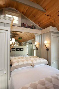 Ebbtide bedroom ~ Cabot Cove Cottages
