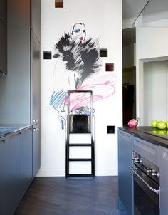 Cocina de la artista Hanna Lindblad, deco con glamour • Glamourous wall decor