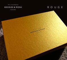 Elegante y exclusivo estuche de regalo diseñado por Lopoideas.