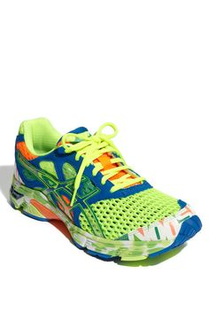 Glow in the dark running shoes! Workout Attire, Workout Wear, Glow Run, Asics Gel Noosa, Workout Shoes, Nike Shoes Outlet, Casual Sporty Outfits, Girls Wear, Running Shoes For Men