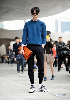 The classy issue joo woo jae, korean street fashion, asian fashion, boy fashion Korean Fashion Men, Korean Street Fashion, Asian Fashion, Mens Fashion, Ck Fashion, Queer Fashion, Fashion Menswear, Korea Fashion, India Fashion