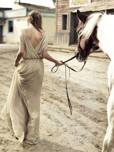 Comienza la temporada de bodas: vestidos largos para bodas de tarde