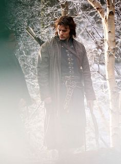 First Set Photos of Sam Claflin as Prince Charming in Snow White and the Huntsman Story Inspiration, Writing Inspiration, Character Inspiration, Character Design, Snowwhite And The Huntsman, Snow White Prince, Vikings, Kobold, Sam Claflin