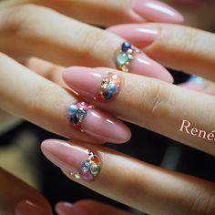 春ピンクに くすみ系カラフルストーン #春ネイル#nail#nails#gelnails#nailart#ネイル#ジェルネイル#美甲#네일#젤네일#nailsalonrenee#ネイルサロンレネ#3Dattacker#love#instagood#tbt#photooftheday#japanesenailart