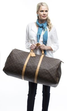 Save on the Louis Vuitton Keepall Boston Hand / Free Same Day Ship / Brown Lv Monogram Canvas Weekend/Travel Bag! This travel bag is a top 10 member favorite on Tradesy. Weekend Travel Bag, Louis Vuitton Keepall, Best Handbags, Vuitton Bag, Travel Luggage, Luxury Life, Monogram Canvas, 5 Ways, Preschool Rooms