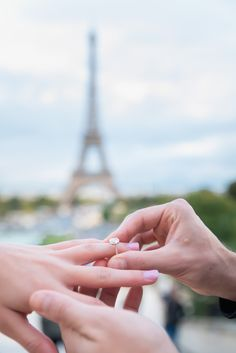 Got to go with an epic backdrop for your proposal shot. Bam!!! #parisphotographer #parisengagement #eiffeltower www.theparisphotographer.com