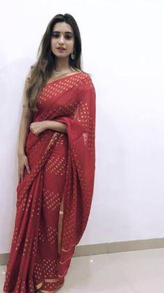 Most Beautiful Bollywood Actress, Bollywood Actress Hot Photos, Shivani Surve, Couple Wedding Dress, Blue Silk Saree, Silk Saree Blouse Designs, Saree Photoshoot, Most Beautiful Models, Saree Look