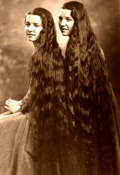 Beautiful long hair 13 years old twin girls, Unknown names. Picture by photographer Stan Shuttleworth (USA). Natural Hair Care, Natural Hair Styles, Long Hair Styles, Love Your Hair, Great Hair, Vintage Hairstyles, Cool Hairstyles, Super Long Hair, Beauty Advice