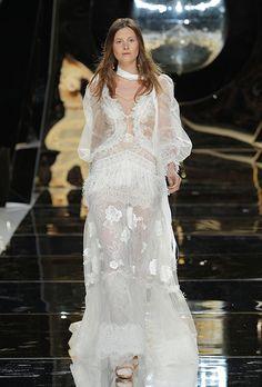 YolanCris - Spring 2017  #Wedding dress * BEYONCE accepted 2016 VMA award in this designer dress YOLAN CRIS*.