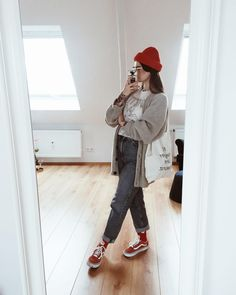 Cozy Fashion, Fashion Looks, Fashion Outfits, Fall Winter Outfits, Autumn Winter Fashion, Hipster Mode, Cheap Streetwear, T-shirt Und Jeans, Smart Casual Women